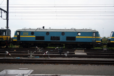 2512 at Antwerp Nord Depot on 20th August 2006