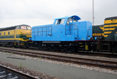 2) 8273 at Antwerp Nord Depot on 20th August 2006