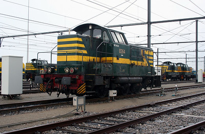 8264 at Antwerp Nord Depot on 20th August 2006