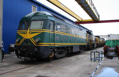 2) 201 010 at Antwerp Nord Depot on 20th August 2006