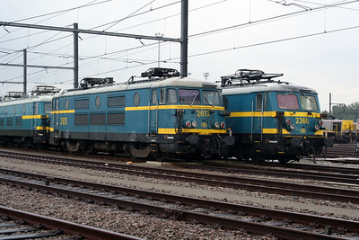 2613 at Antwerp Nord Depot on 20th August 2006