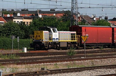 7728 at Brussels Nord on 23rd June 2008