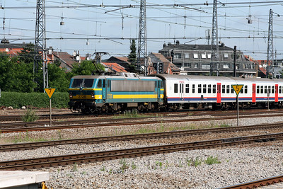 2728 at Brussels Nord on 23rd June 2008