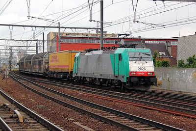 2826 (91 88 7186 218-4 B-B) at Antwerp Berchem on 11th June 2012