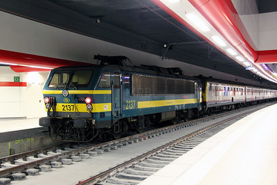 2137 at Brussel Airport on 10th June 2012