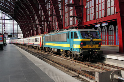 2739 at Antwerp Central on 12th June 2012 working IC708