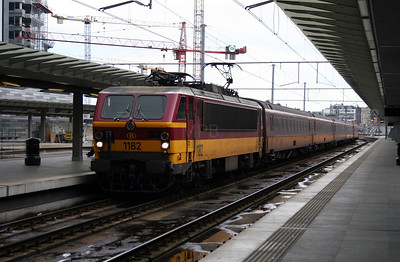 1) 1182 at Antwerp Central on 26th March 2006