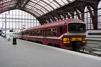 939 at Antwerp Central on 26th March 2006