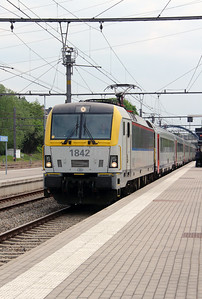 1842 (91 88 0180 420-7 B-B) at Welkenraedt on 18th May 2016 (4)