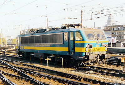 2736 at Brussel Midi on 7th November 2003
