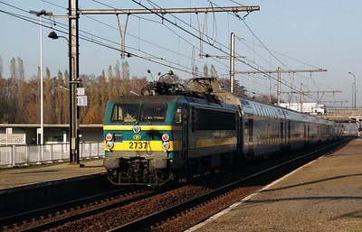2737 at Antwerp Noorderdokken on 14th November 2011
