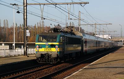 2737 at Antwerp Noorderdokken on 14th November 2011