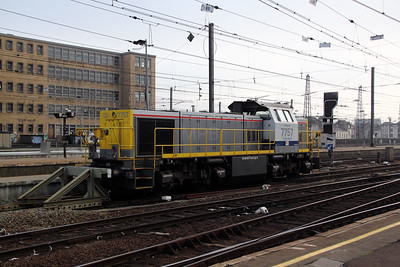 2) 7757 at Brussel Midi on 13th November 2011