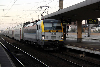 1809 at Brussel Nord on 14th November 2011
