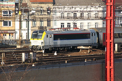 1835 at Brussel Midi on 11th November 2011 (taken from Ibis Hotel room)
