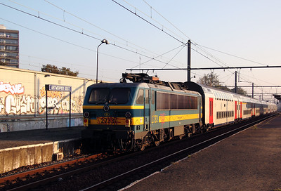 2733 at Antwerp Oost on 24th October 2011