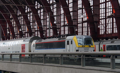 1892 (91 88 0180 920-6 B-B) at Antwerpen Central on 2nd October 2014 (3)