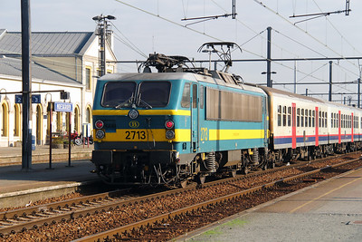 2713 (91 88 0270 130-3 B-B) at Mouscron on 2nd October 2014 (2)