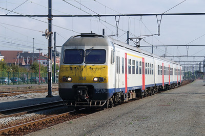 348 (94 88 0803 483-4 B-B) at Mouscron on 2nd October 2014 (2)