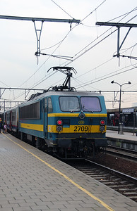 2709 (91 88 0270 090-9 B-B) at Antwerpen Berchem on 2nd October 2014