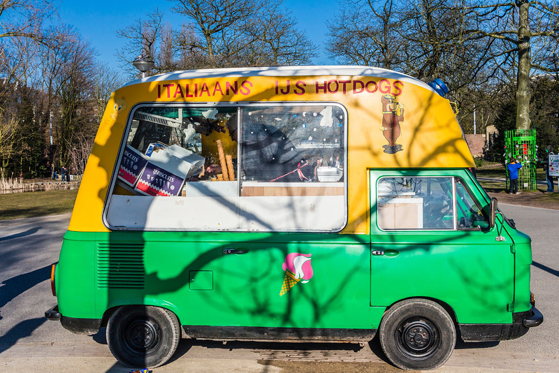 THE NETHERLANDS-AMSTERDAM-MUSEUM DISTRICT-HOT DOG TRUCK