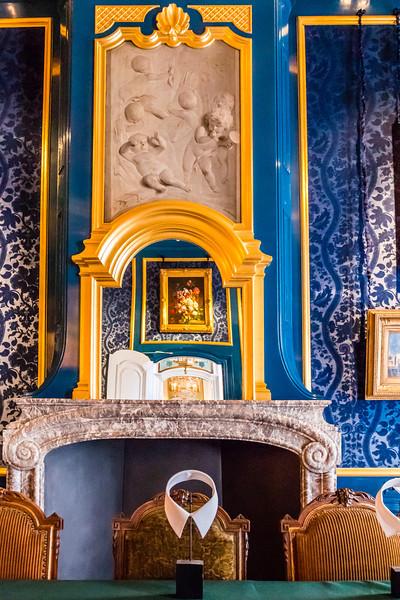 THE NETHERLANDS-AMSTERDAM-WILLET-HOLTHUSYEN MUSEUM-GENTLEMENS' ROOM