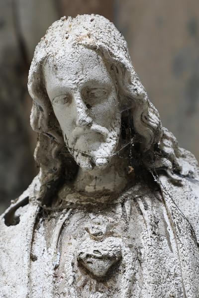 Gesus in decay