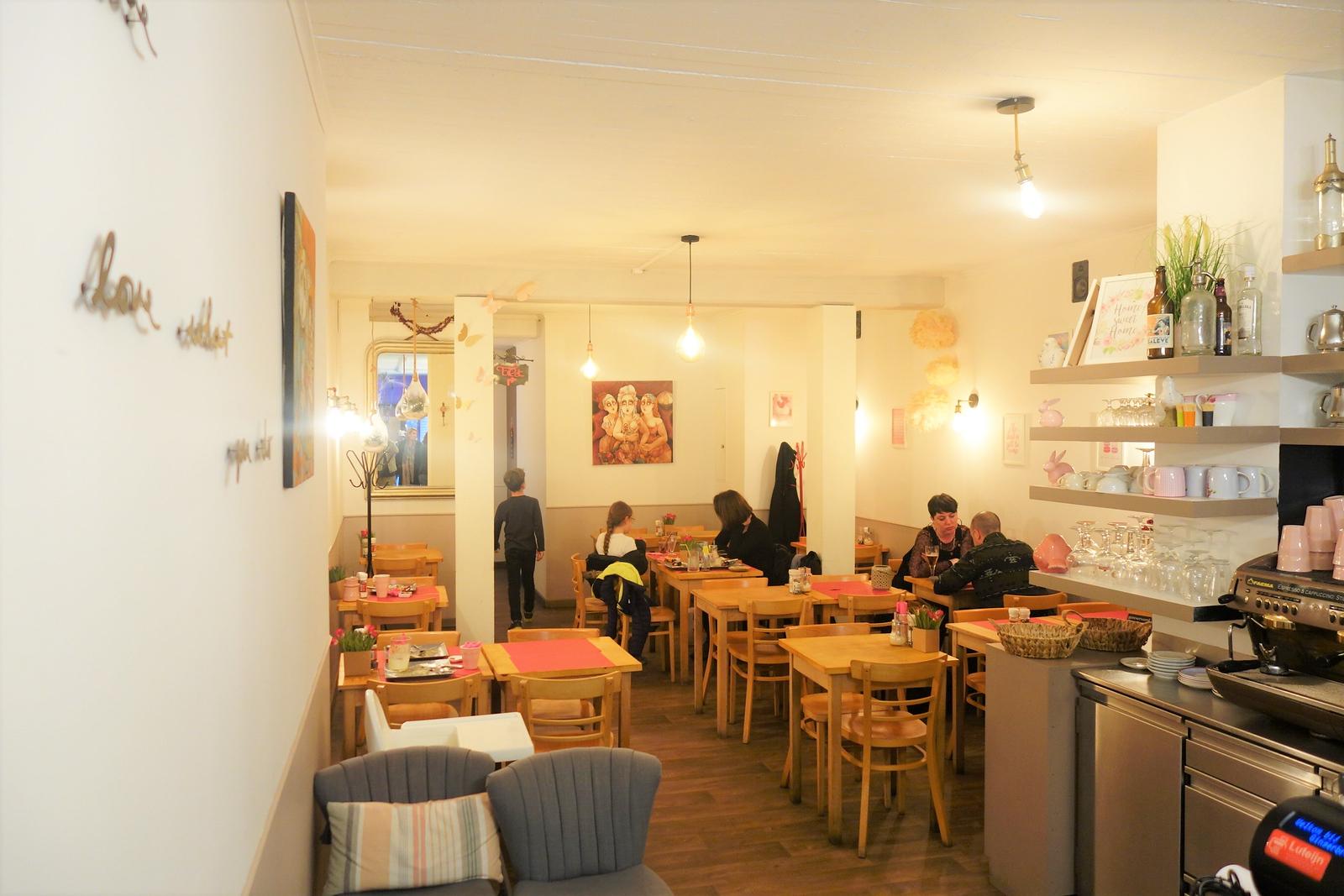 best waffle in bruges gingerbread tea room