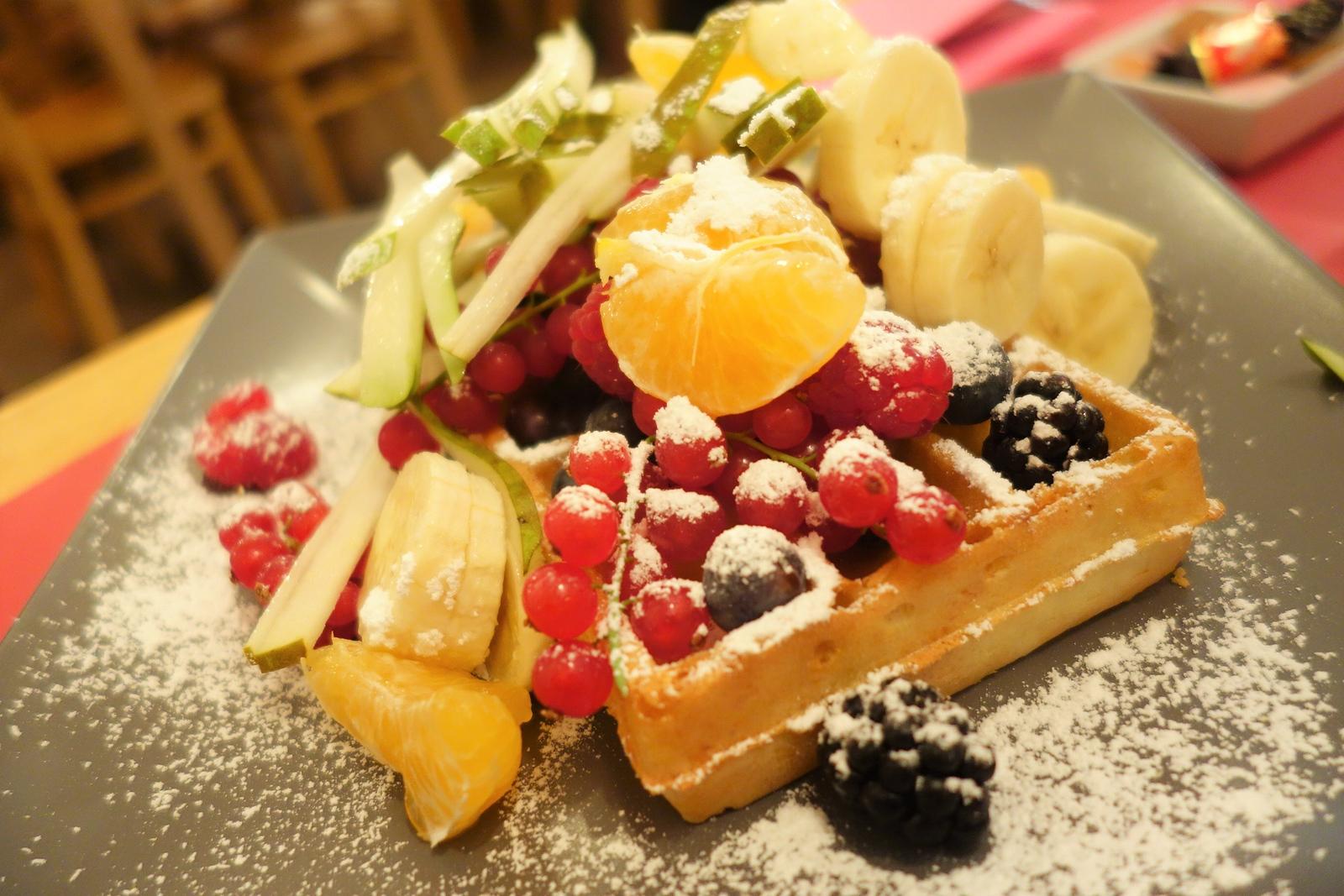 best waffle in bruges fruit waffle