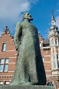 father Jozef Raskin,pater Jozef raskin,père Jozef Raskin,statue,beeld,Aarschot,Belgium,België,Belgique