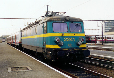 2241 at Dendermonde on 8th November 2003