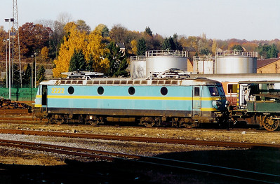 2222 at Salzinnes Works on 9th November 2003
