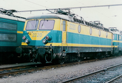 2220 at Antwerp Dam Depot on 21st February 1998