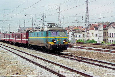 2201 at Brussel Nord on 23rd May 2003