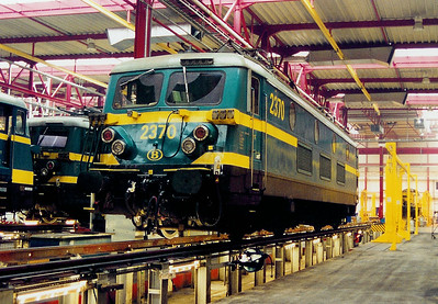 2370 at Antwerp Nord Depot on 24th May 2003