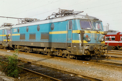 2334 at Schaarbeek Depot on 28th September 1996