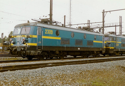 2309 at Stockem Yard on 28th September 1996