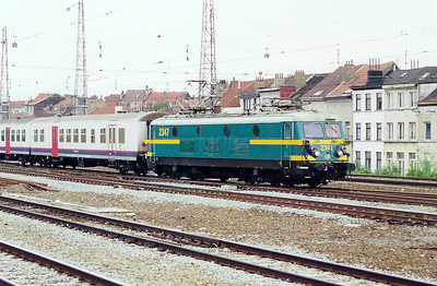 2347 at Brussel Nord on 23rd May 2003