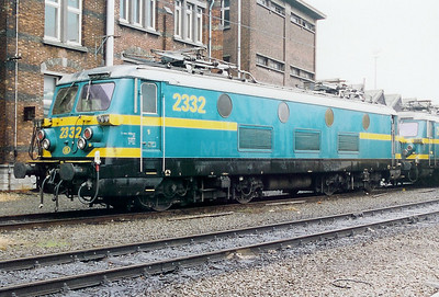 2332 at Antwerp Dam Depot on 18th February 2000