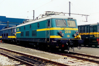 2510 at Antwerp Nord Depot on 24th May 2003