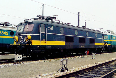 2555 at Antwerp Nord Depot on 24th May 2003