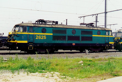 2625 at Antwerp Nord Depot on 24th May 2003