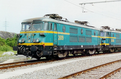 2619 at Charleroi Sud Depot on 3rd June 2000