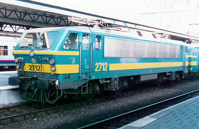2712 at Oostende on 19th April 1998