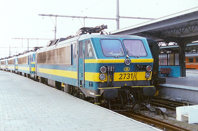 2731 at Oostende on 6th April 2002
