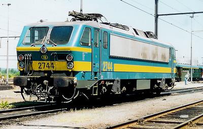 2744 at Saint Ghislain Depot on 19th June 1999