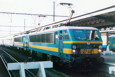 2744 at Oostende on 19th April 1998