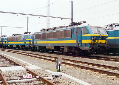 2713 at Antwerp Nord Depot on 24th May 2003