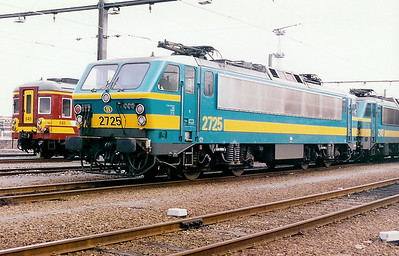 2725 at Schaarbeek Depot on 21st February 1998