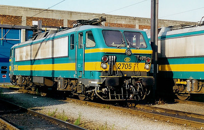 2705 at Kinkempois Depot on 3rd June 2000